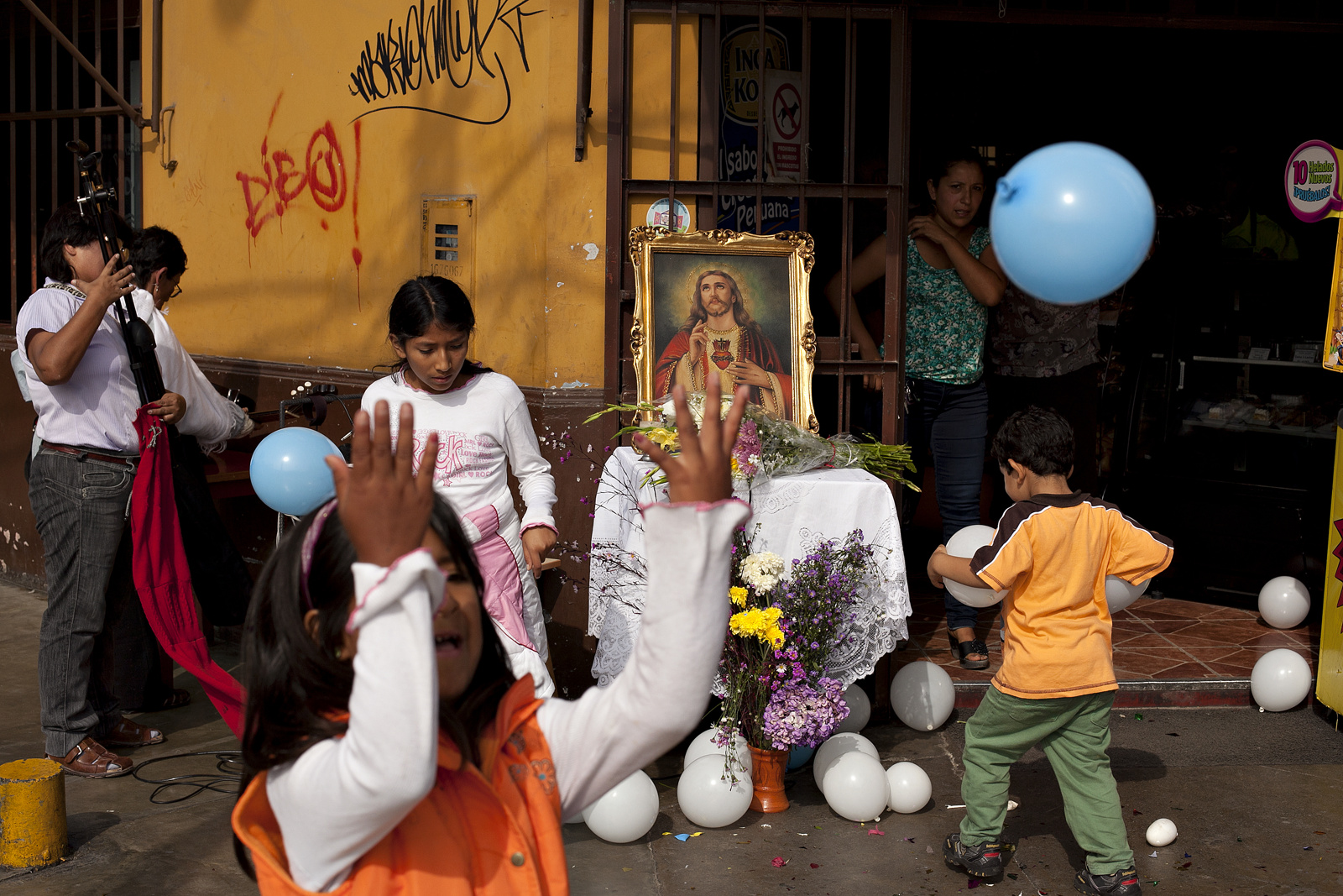 Easter Morning in Pueblo Libre, Lima Photo:Danielle Villasana